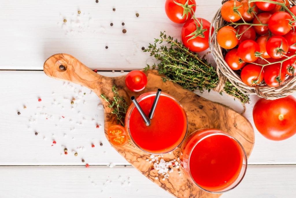 tomate pressée en jus