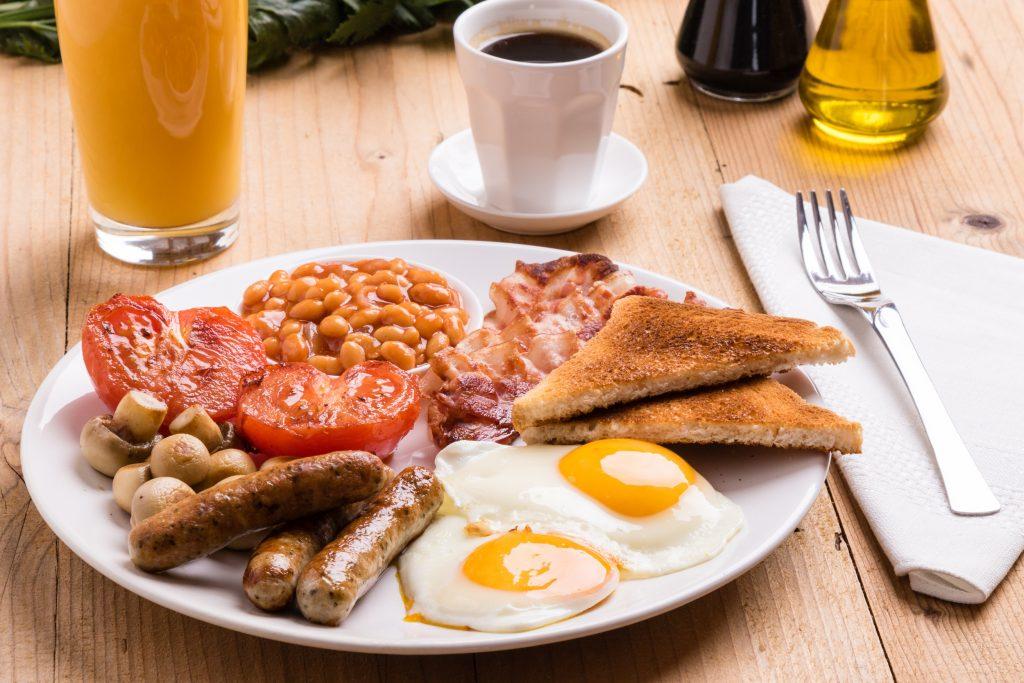 petit déjeuner typique anglais