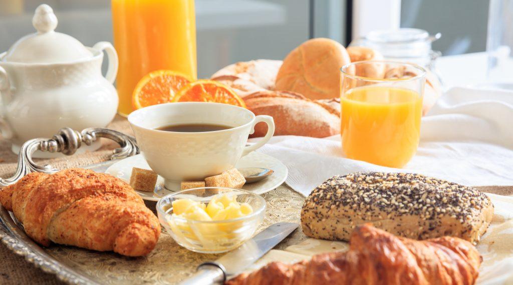 viennoiseries pour un petit déjeuner à la française