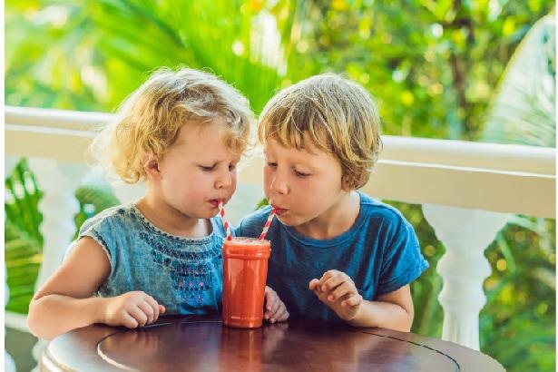 jus de fruits bons pour les enfants